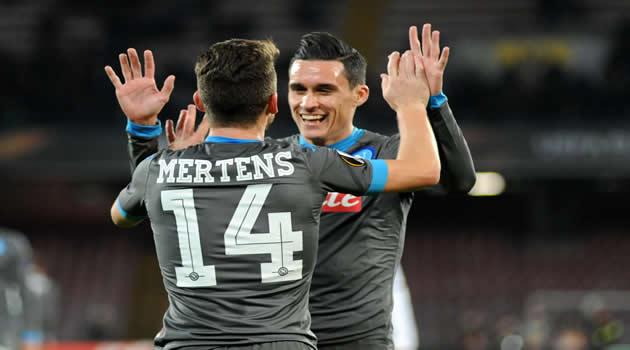 Napoli vs Legia Varsavia Callejon esulta al gol con Mertens