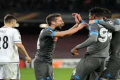 Napoli vs Legia Varsavia Mertens esulta al gol