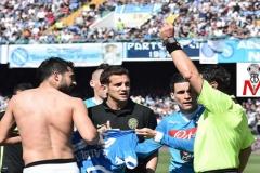 Napoli vs Verona - Albiol ammonito