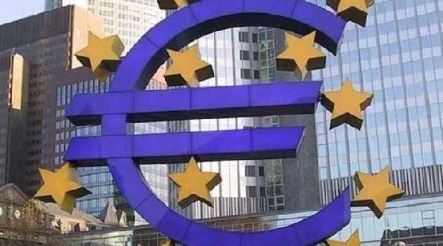 Eurozona Italia crescita lenta