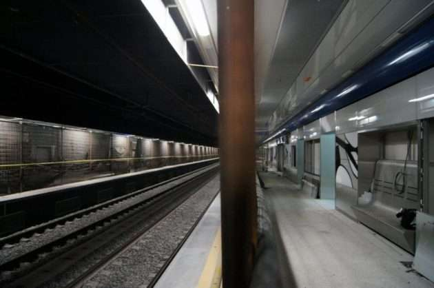 Metro Melito banchina stazione