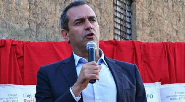 il sindaco di Napoli Luigi De Magistris