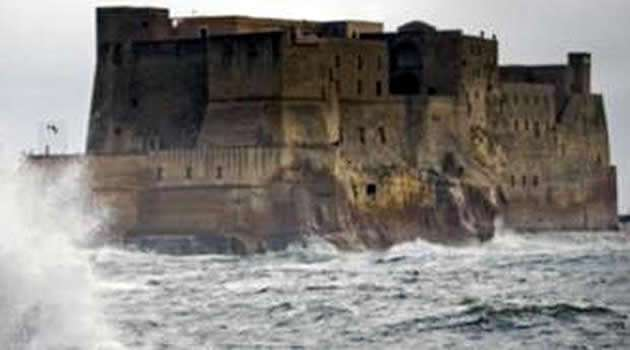 Napoli vento forte allerta meteo