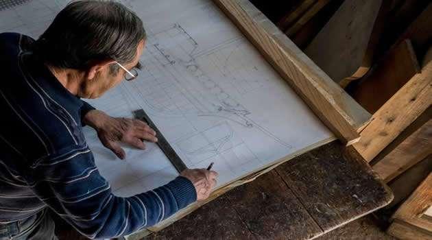 Melito - Maestro d'ascia Vincenzo Chianese