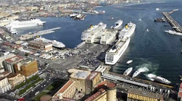Napoli porto - molo Beverello