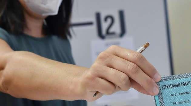 Elezioni 2020 referendum e regionali Affluenza alle urne ore 23.00